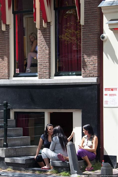 Red Light District in Amsterdam (23 pics)